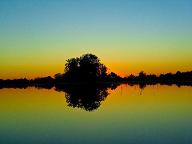 okavangon auringonnousuun